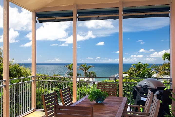 Jolly Roger's Beach House - Awesome Position!!
