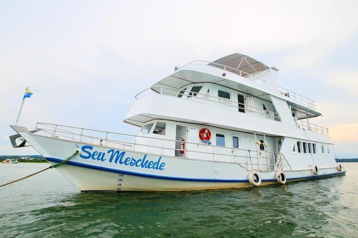 """Guesthouse Boat """"Seu Meschede"""""""
