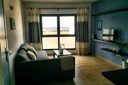Sea view and ocean sound apartment
