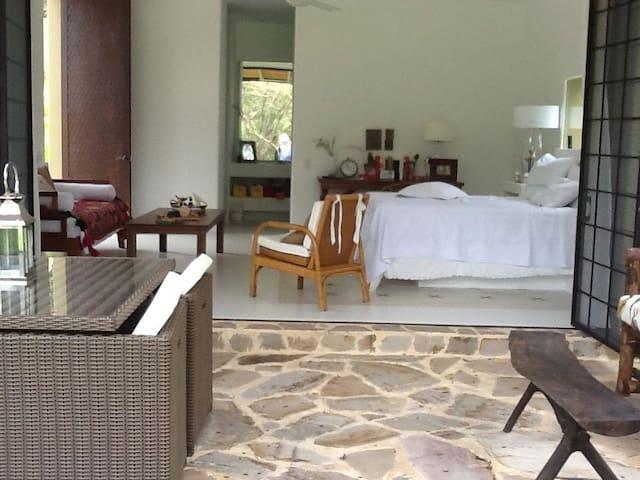 Mesa de Yeguas Villa Z45