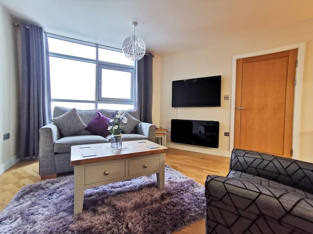 Motorpoint Arena City Centre apartment W/F parking
