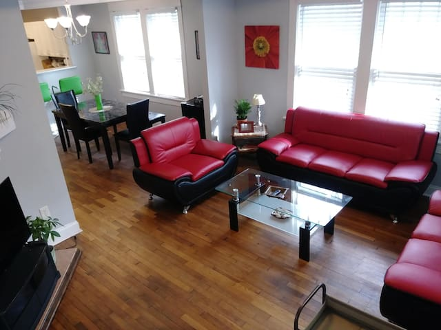 *A Room 2.5 Miles to Heart of Downtown Atlanta!