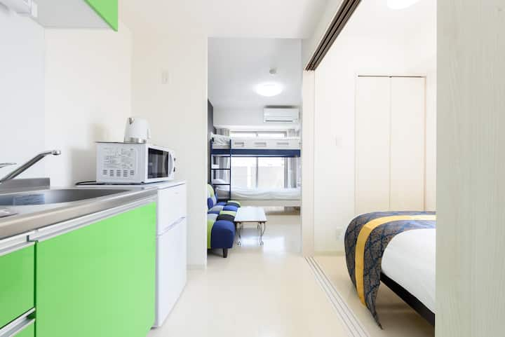 旅行中にもプライベートルームを確保!新築で清潔なお部屋#502