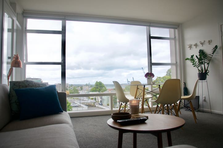 Sunny Modern Apartment in the heart of Parnell - Auckland - Appartement