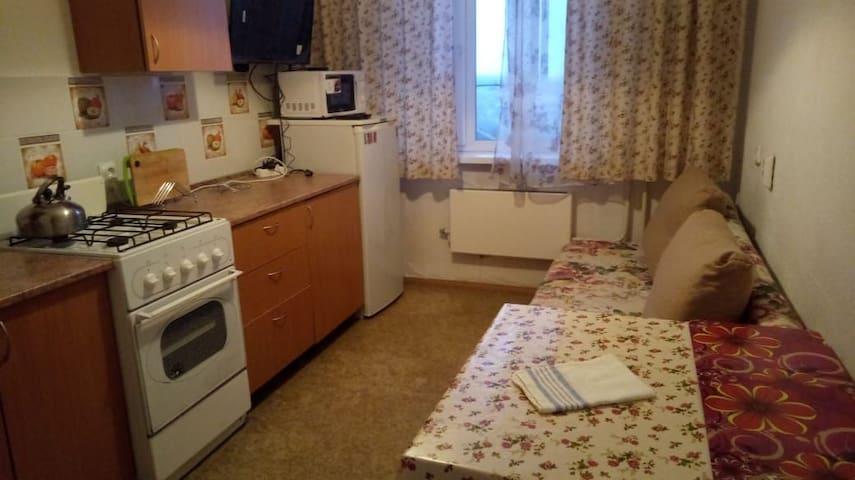Апартаменты студия Авиаторов, 12 с 2мя спальнями