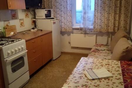 квартира студия Авиаторов, 12 с 2мя спальнями