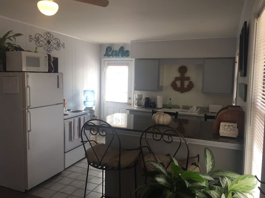 Fully functioning kitchen, coffee pot, microwave, toaster. Help yourself.