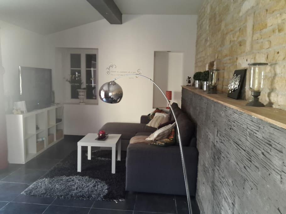 chambre cocoon avec petit d jeuner piscine houses for rent in mareuil aquitaine limousin. Black Bedroom Furniture Sets. Home Design Ideas