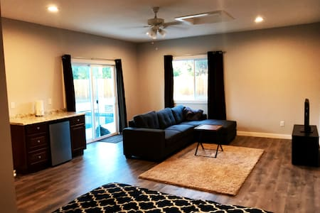 Comfortable, Suite Close to Everything - Thousand Oaks