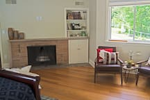 Fireplace, master suite 1