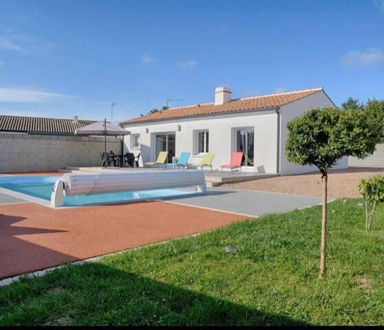 Villa avec piscine sans vis à vis 15min des Sables