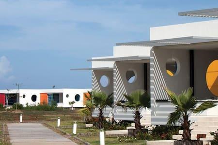 Cabaña en playa entre Cartagena y Barranquilla