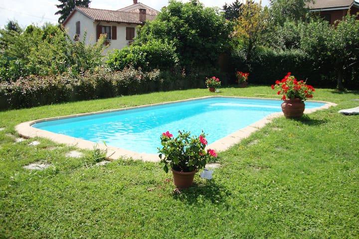 Nel verde con piscina esclusiva