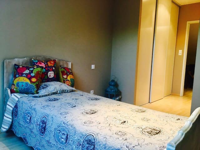 Chambre dans maison au bord du Canal du Midi - Moissac - Ev