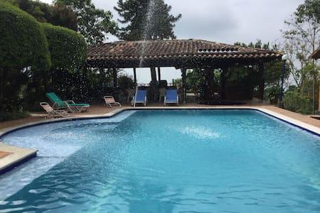 Naturaleza con vista al Cauca!/Stunning Hacienda!