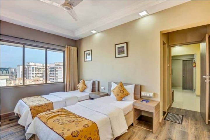 Andheri 1 Bedroom Private Apartment WiFi B'fast