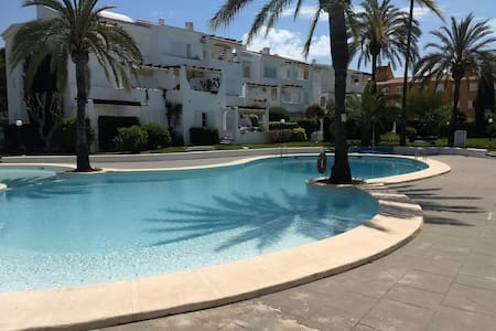 Apt with com pool. Seafront complex in Javea Port