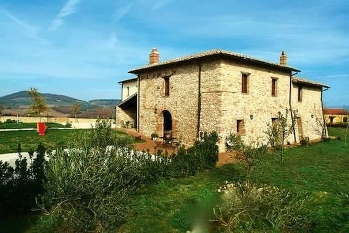 "Farm-house ""Piano Grande"" - Avigliano Umbro - Flat"