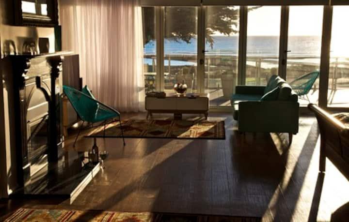 Penguin Beachfront Apartments - Beachfront 1 Apt