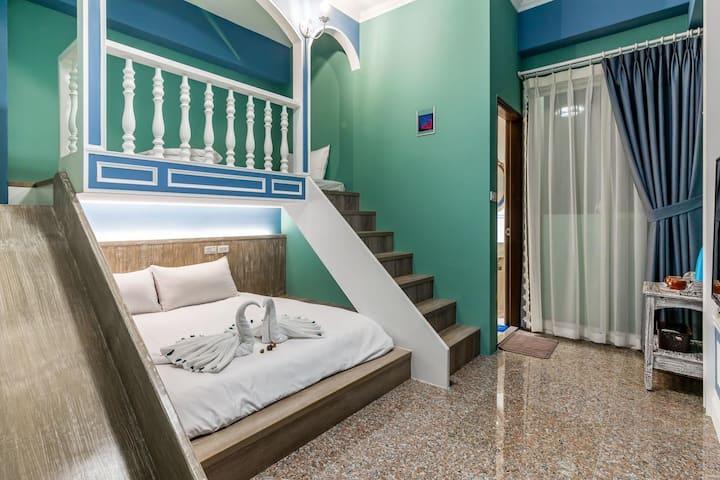 『花蓮‧夏卡爾』溜滑梯公主3人房(1大床+1小床),獨立陽台,近花蓮車站、花蓮市中心