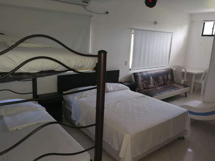 Sencillo y acogedor hotel, cerca de la playa.