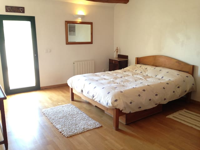 Rooms in Rural house near Barcelona and Tarragona