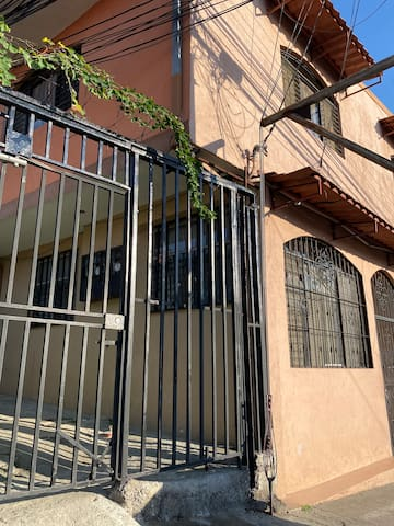 Room San Jose Park Sabana Sur