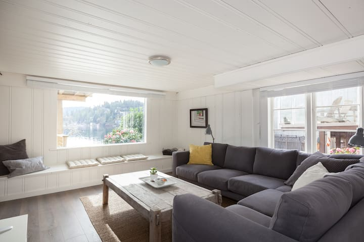 Deep Cove Beach Apt. + Dock, Kayaks - North Vancouver - Lejlighed