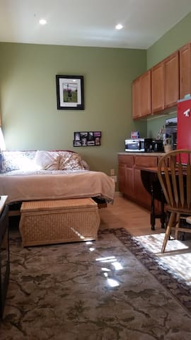 Private Cottage/Studio - Rent By the Month Too. - Sedro-Woolley - Dom
