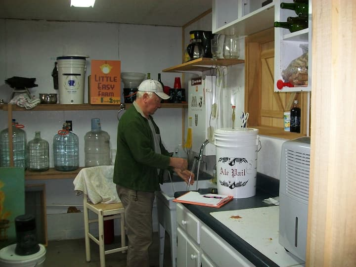 Host: Over 35yrs of brewing wine/beer