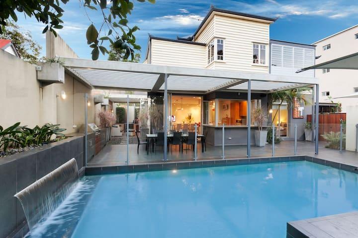 Lambert House Lower Level - Kangaroo Point - House