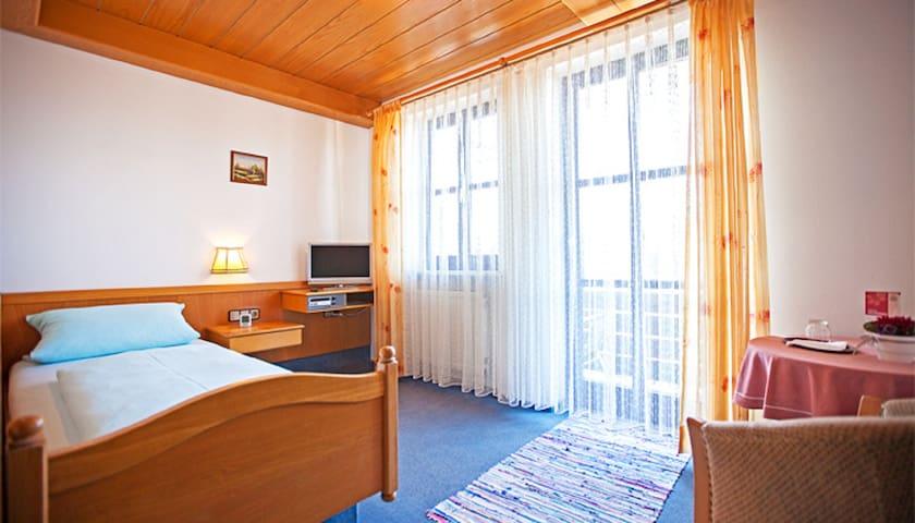 """Hotel-Gasthof """" Zum Bräu-Toni """" (Dietfurt), Einzelzimmer - mit kostenlosem WLAN"""