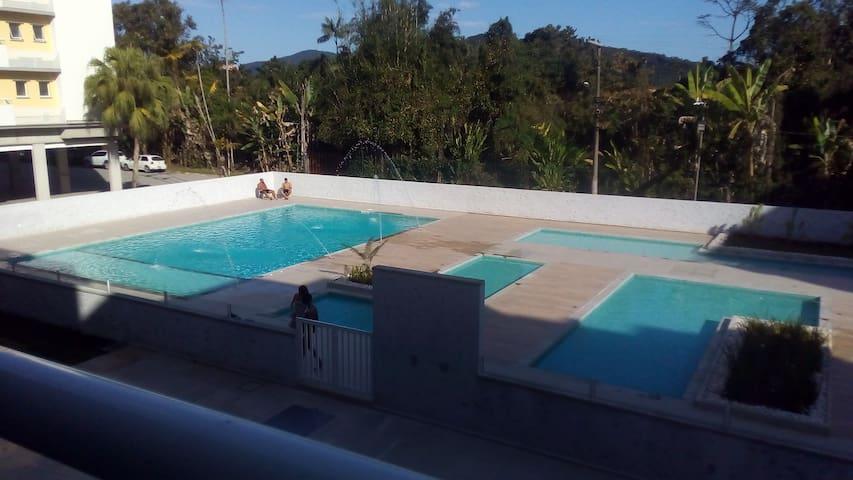 Apt Condomínio Passaredo - Pereque-Açu 300m praia