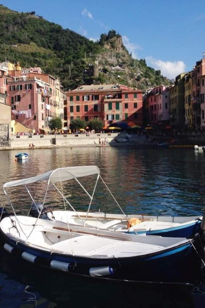 Yoga and hiking in the Cinque Terre