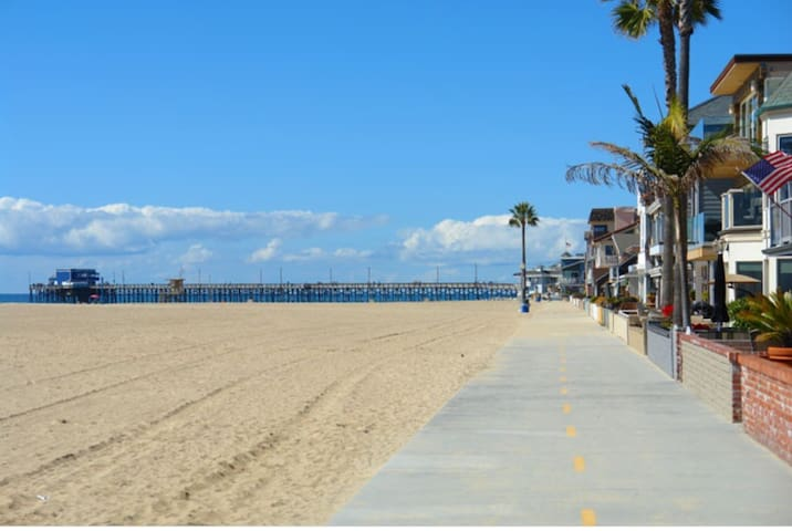 2min bike ride to Newport Beach Peninsula