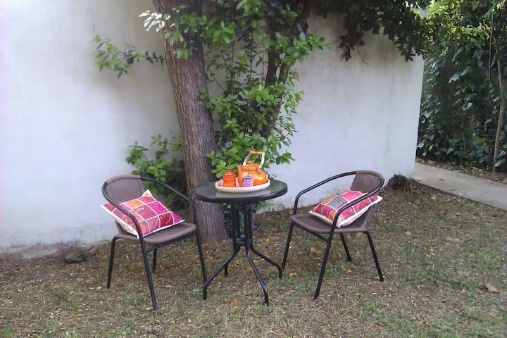 Casa barrio residencial La Plata - Gonnet - บ้าน