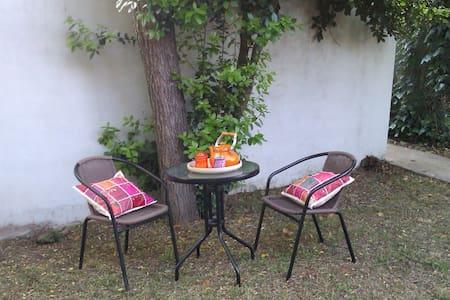 Casa barrio residencial La Plata - Gonnet - Talo