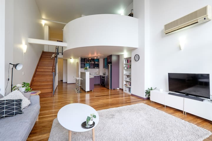 NY Style 2 Storey Loft (Queen room) - Fortitude Valley