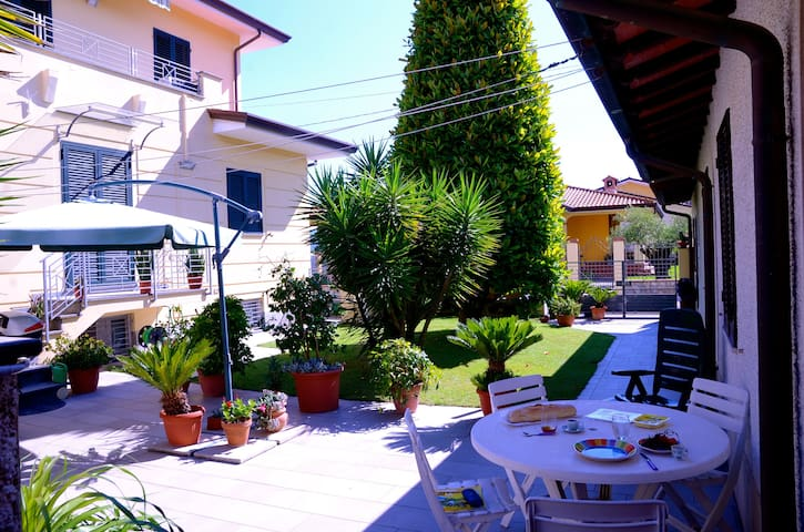 Lovely villetta close to the sea and city centre
