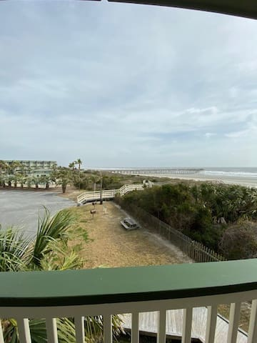 Oceanfront Condo!! Community Pool! Completely Renovated! End Unit on the Beach w