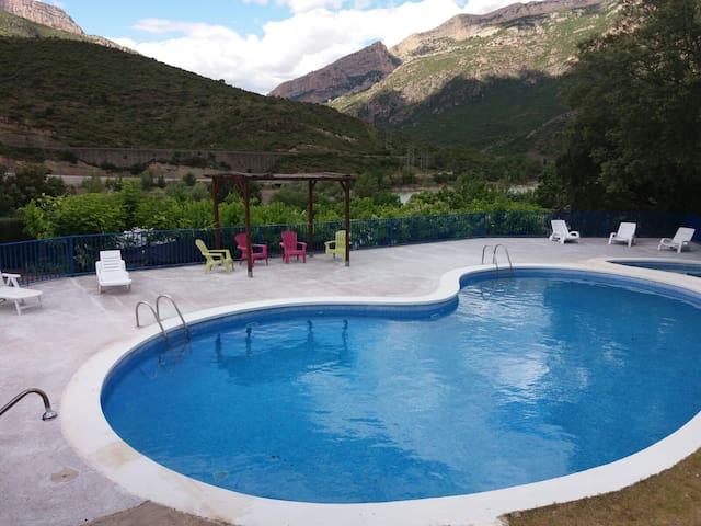 Camping Montsec - Bungalow Suite 2 - (6 Adultos)