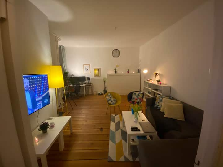 Modern Studio In Centra location