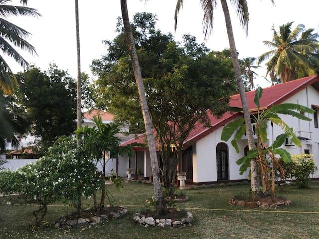 West Life - Kumaragewatta - Colombo - Villa