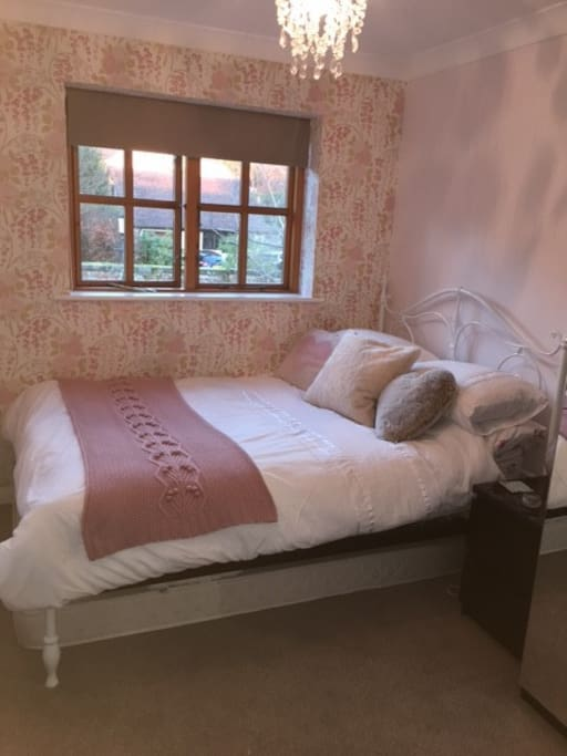 Cosy room and very comfortable double bed