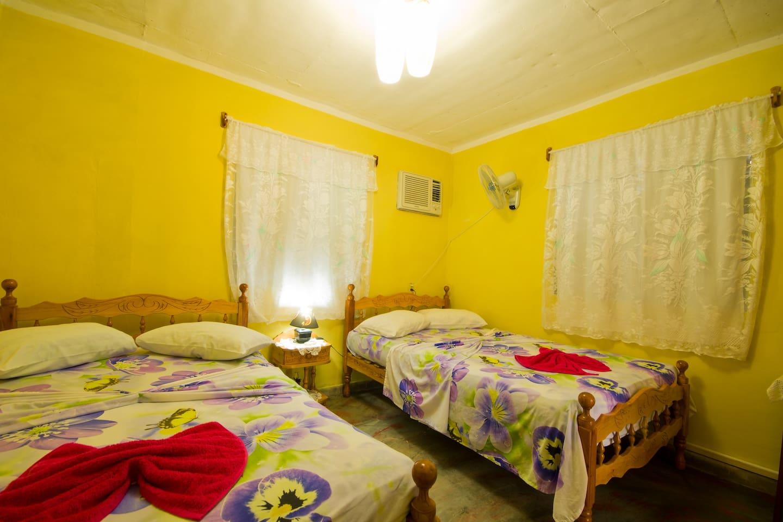 Casa Heliodora y Julio 2 Habitaciones privadas - Houses for Rent in ...