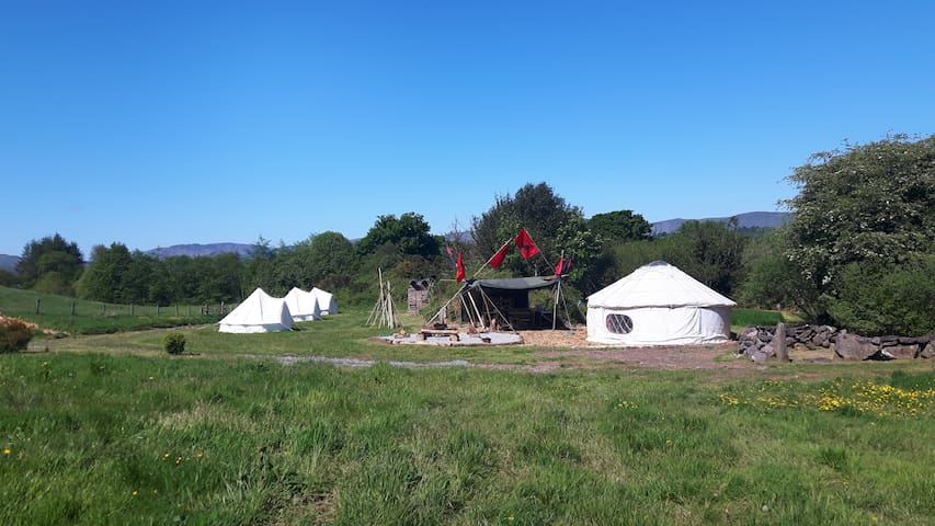 Camping ( Bell Tent 3, 3 single camping beds) - Inchigeelagh - Teltta