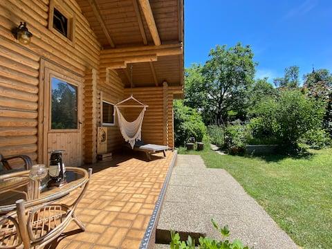 Cosy log cabin 35m2 near Vienna!