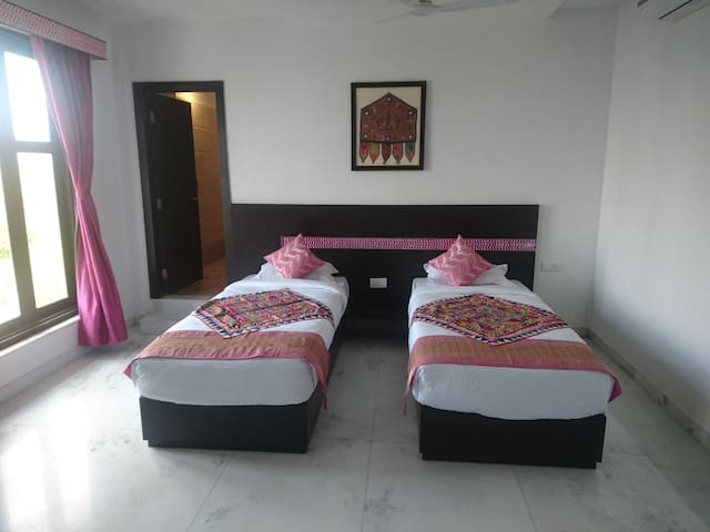 Luxurious boutique accommodation - Udaipur - Boutique hotel