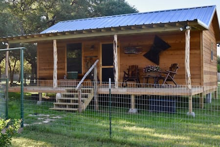 New Life Farms-The Writer's Cabin