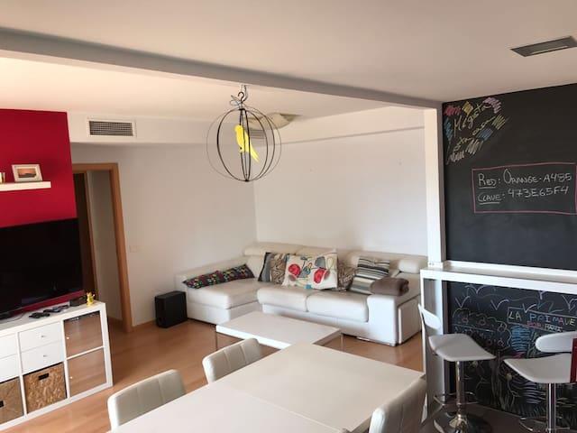 Piso-habitación doble con baño